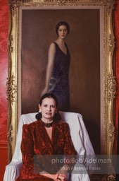 Gloria Vanderbilt In Her Upper East Side New York Apartment Poses Under A Portrait Of